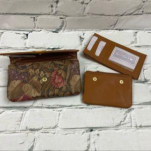 NWOT Gloria Vanderbilt wallet with card holder